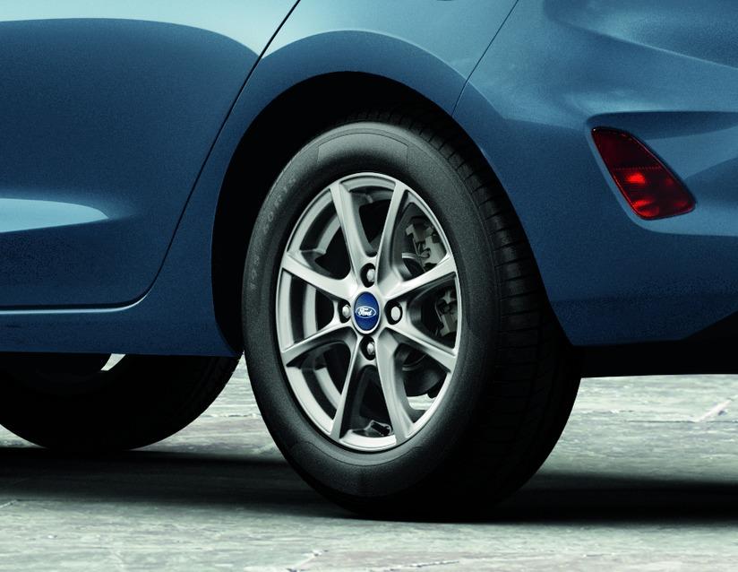 1x Satz Ford Fiesta Winterräder (Reifen + Felge) Alu ab 05/17 195/60 R15 88T Semperit silber 2147021