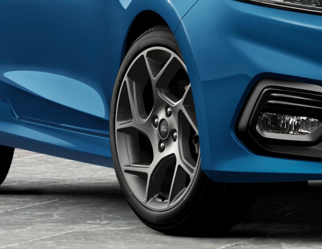 1x Satz Ford Fiesta ST Winterräder (Reifen + Felge) Alu grau ab 04/2018 205/45 R17 88V XL Semperit 2281203